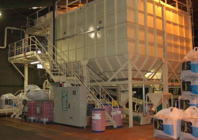 Storage bins and vessels